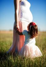 pregnant-690735_1920