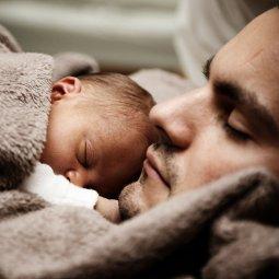 Devenir père, entre fierté et angoisse